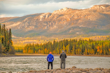 Teslin River - canoe trekking with Nature Tours of Yukon